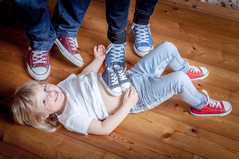 Babybauch Familie Geschwisterkind Schwangerschaft