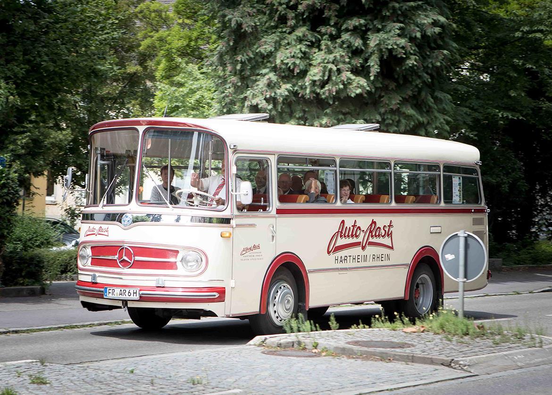 Brautpaar Standesamt Staufen Klostermuehle Freiburg Waldkirch Fotograf 10 Min Min