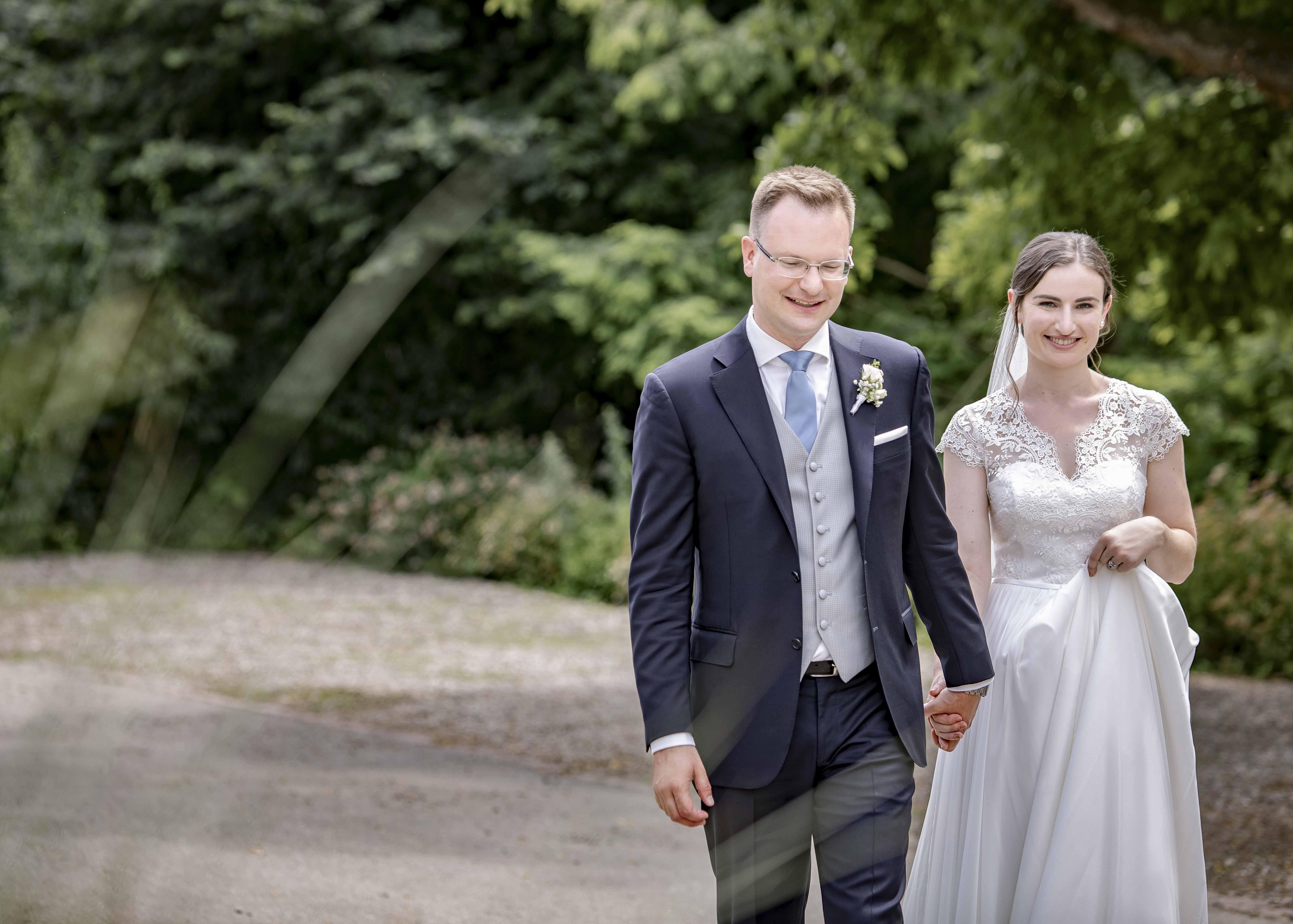 Lifestyle Photodesign Melanie Schmidt Hochzeitsfotografin Freiburg Wedding Standesamt Trauung Muenstertal Klostermuehle 152 Min